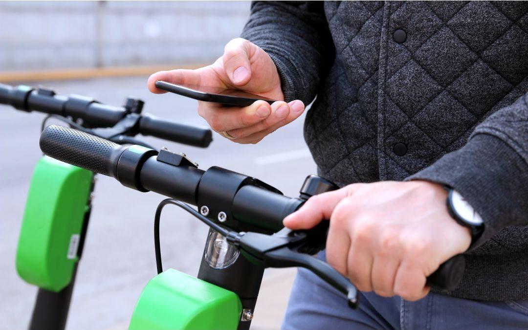 E-Mobilität: Aktuelles Verbraucherinteresse an E-Scootern, E-Bikes und E-Cars